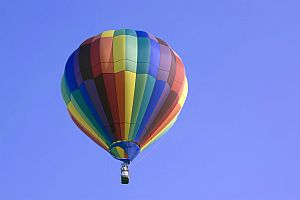 quotes-on-happiness-hot-air-balloon