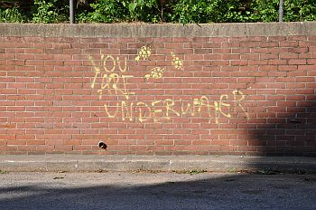 trusting-yourself-you-are-underwater-graffiti
